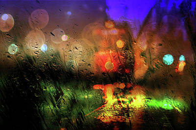 Mixed Media - Rainy City Light by Lilia D