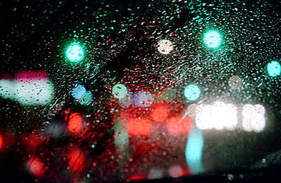Photograph - Rainy Day In The City by Emanuel Tanjala
