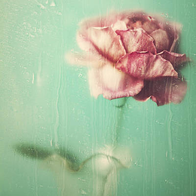 Print featuring the photograph Rainy Day Romance by Amy Weiss