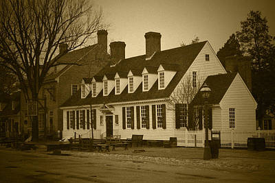 Photograph - Raleigh Tavern 2 - Bw by Lou Ford