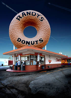 Photograph - Randy's Donuts Inglewood by Gary Warnimont
