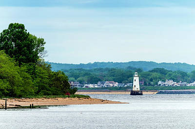 Staten Island Photograph - Raritan Bay And Great Beds Lighthouse by Steven Richman