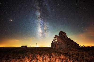 Photograph - Rattlesnake Silo Barn by Russell Pugh