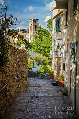 Ravello Photograph - Ravello Street by Inge Johnsson