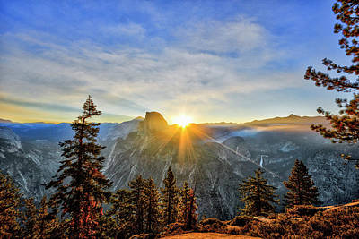 Photograph - Rays Glacier Point by John Swartz