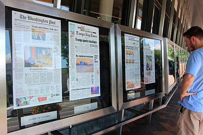 Photograph - Reading Newspapers At The Newseum by Cora Wandel