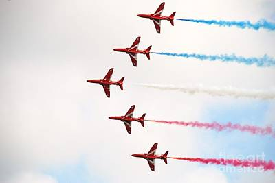 Photograph - Red Arrows Display Team by David Fowler
