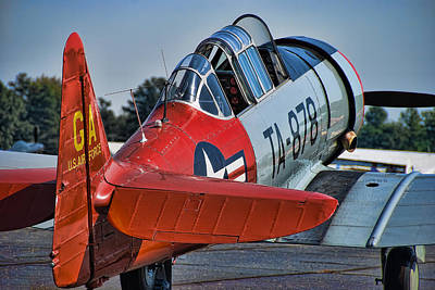Trainer Aircraft Photograph - Red At-6 by Steven Richardson