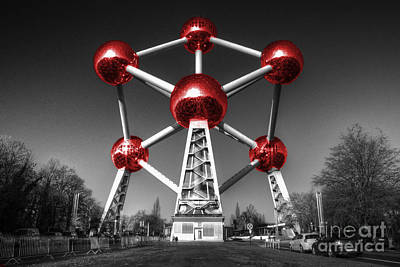 Bruxelles Photograph - Red Atomium by Rob Hawkins