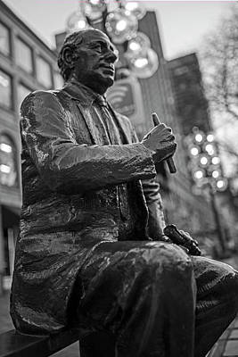 Photograph - Red Auerbach Chilling At Fanueil Hall Side Black And White by Toby McGuire