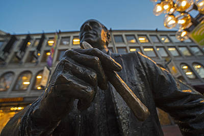 Red Auerbach Chilling At Fanueil Hall Art Print by Toby McGuire