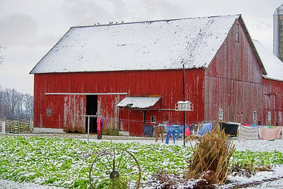 Photograph - Red Barn And Laundry by David Arment