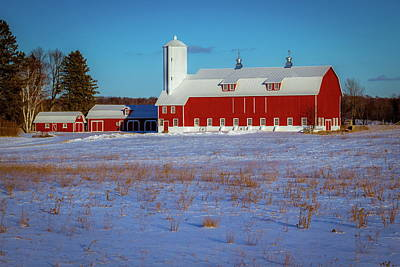 Photograph - Red Barn by Chuck De La Rosa