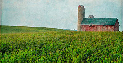 Photograph - Red Barn by Garvin Hunter