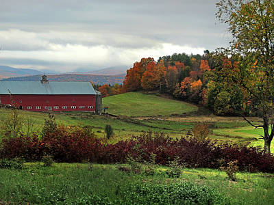 Photograph - Red Barn In Newbury Vermont by Nancy Griswold