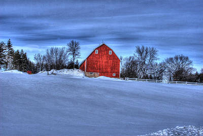 Red Barn In Winter Art Print by Laurie Prentice
