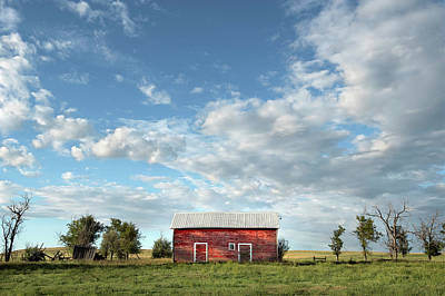 Red Barn On The Prairie Art Print