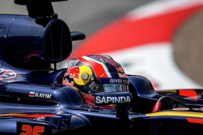 Sauber Photograph - Red Bull Formula 1 Daniil Kvyat by Srdjan Petrovic