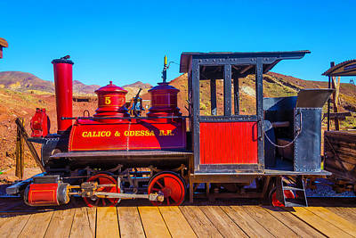 Narrow Gauge Engine Photograph - Red Calico Odessa Rr by Garry Gay