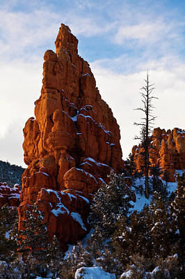 Red Canyon Sentinel Art Print by James Marvin Phelps