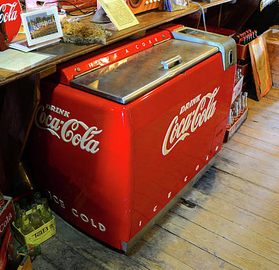Photograph - Antique Red Coke by David Lee Thompson