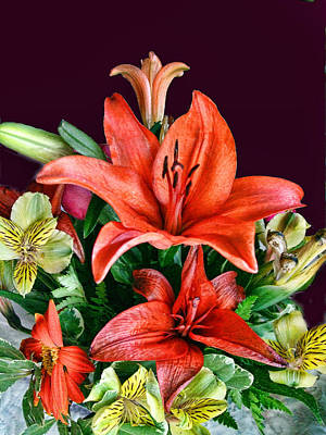Red Day Lily Bouquet Art Print by Linda Phelps
