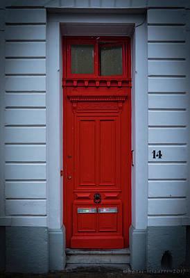 Photograph - Red Door Brugge by Henri Irizarri