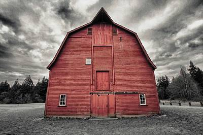 Photograph - Red Faced Barn by Scott Holmes