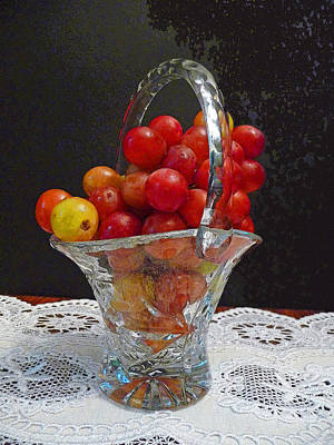 Red Grapes In Crystal And Lace Art Print by Margie Avellino