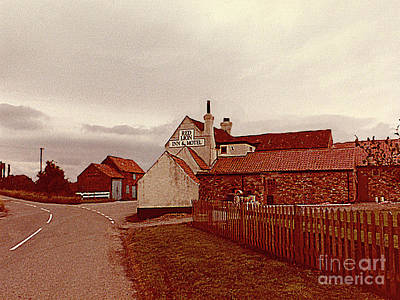 Photograph - Red Lion Inn And Motel by Merton Allen