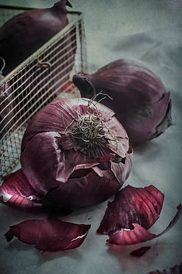 Pantry Photograph - Red Onions by Maggie Terlecki