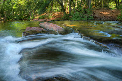 Photograph - Red Rock Crossing by Sue Cullumber