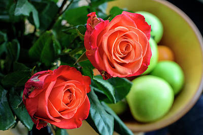 Solitaire Ring Photograph - Red Roses And Apples In A Wooden Vase by Nely Canas