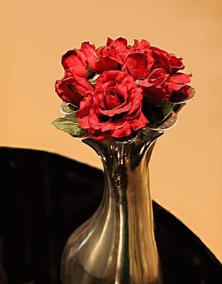 Red Roses In Vase Embossed Art Print by Linda Phelps