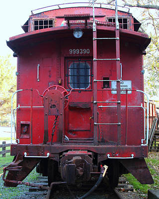 Caboose Photograph - Red Sante Fe Caboose Train . 7d10476 by Wingsdomain Art and Photography