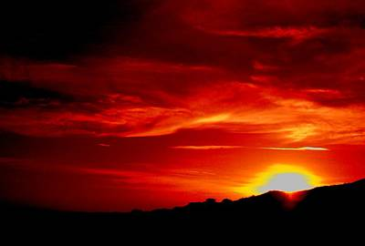 Red Skys Tonight Art Print by Douglas Kriezel