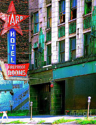 Photograph - Red Star Hotel Skidrow Chicago  by Tom Jelen