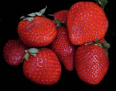 Photograph - Red Strawberries by Pamela Walton