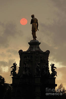 Photograph - Red Sun With Statue In Bushy Park  London by Julia Gavin