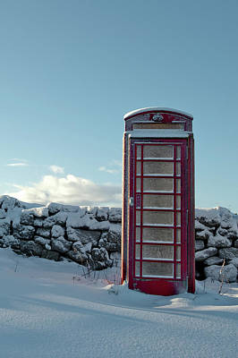 Red Telephone Box In The Snow IIi Art Print