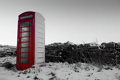 Red Telephone Box In The Snow Vi Art Print