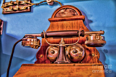 Photograph - Red Telephone by Rick Bragan