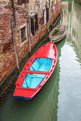 Photograph - Red Vs Brown Venice Italy  by John McGraw
