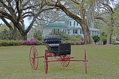 Photograph - Red-wheeled Carriage by Linda Brown