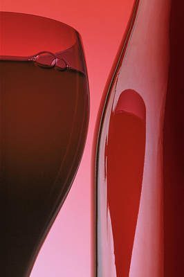 Photograph - Red Wine 3x2 Format by Garry McMichael