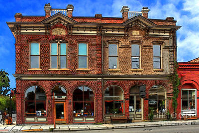 Photograph - Redmens Hall - Jacksonville Oregon by James Eddy
