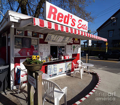 Photograph - Red's Eats, Wiscasset, Maine  -10127 by John Bald