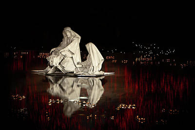 Photograph - Reflecting The Nativity by David Andersen