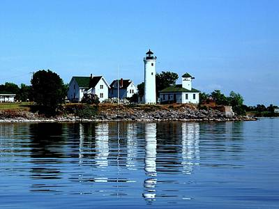 Reflections At Tibbetts Point Lighthouse Art Print