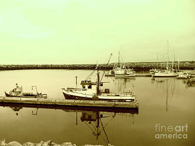 Photograph - Reflections In A Marina by Susan Lafleur